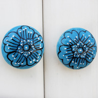 IndianShelf Handmade 5 Piece Ceramic Blue Flower Flat Rust Free Drawer Kitchen Knobs/Cabinet Pulls