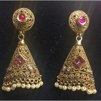 Golden Traditional Style Earring With Pink Stones and Pearls