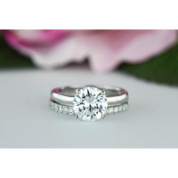Off White Moissanite ...