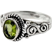 Beauty in Queen!! 925 Sterling Silver Peridot Ring