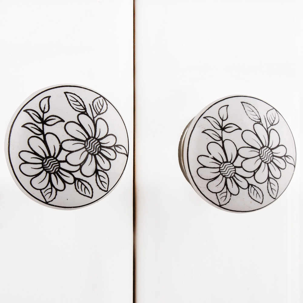 IndianShelf Handmade 20 Piece Ceramic White Sunflower Flat Artistic Drawer Knobs/Cabinet Pulls