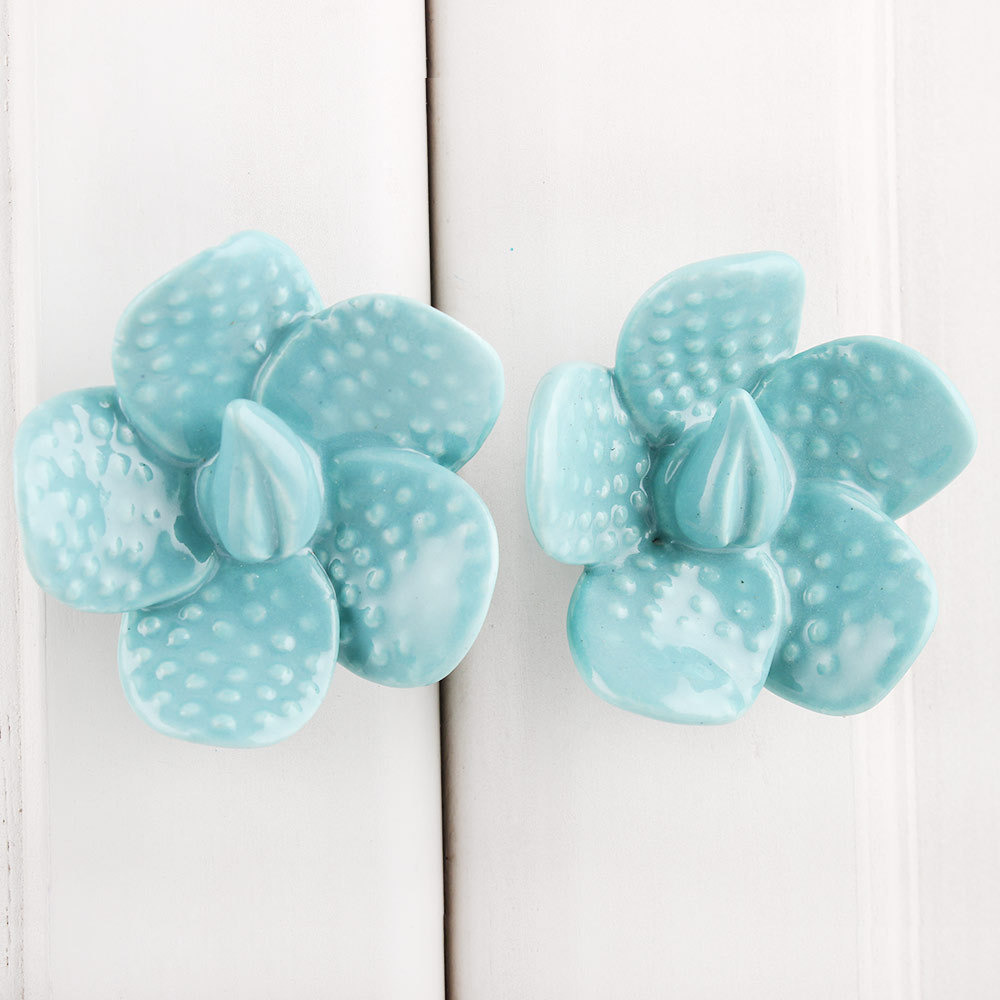 IndianShelf Handmade 20 Piece Ceramic Green Dot Flower Shape Artistic Drawer Knobs/Cabinet Pulls