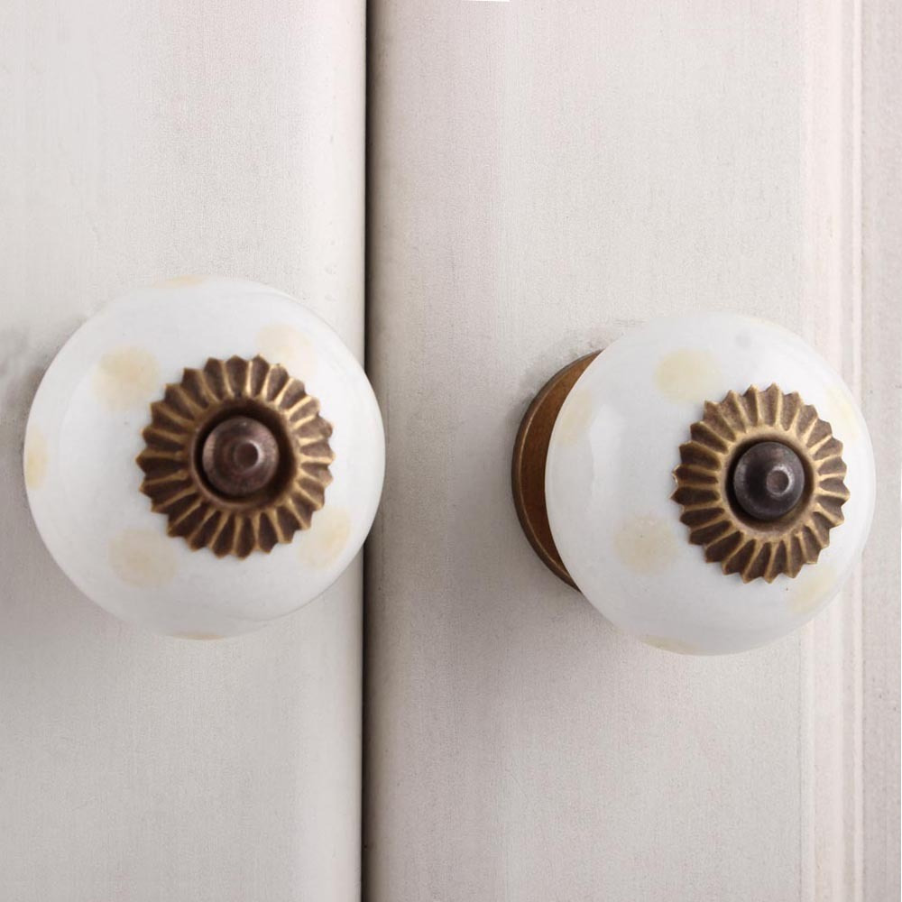 IndianShelf Handmade 9 Piece Ceramic Cream Dotted Rust Free Drawer Kitchen Knobs/Cabinet Pulls