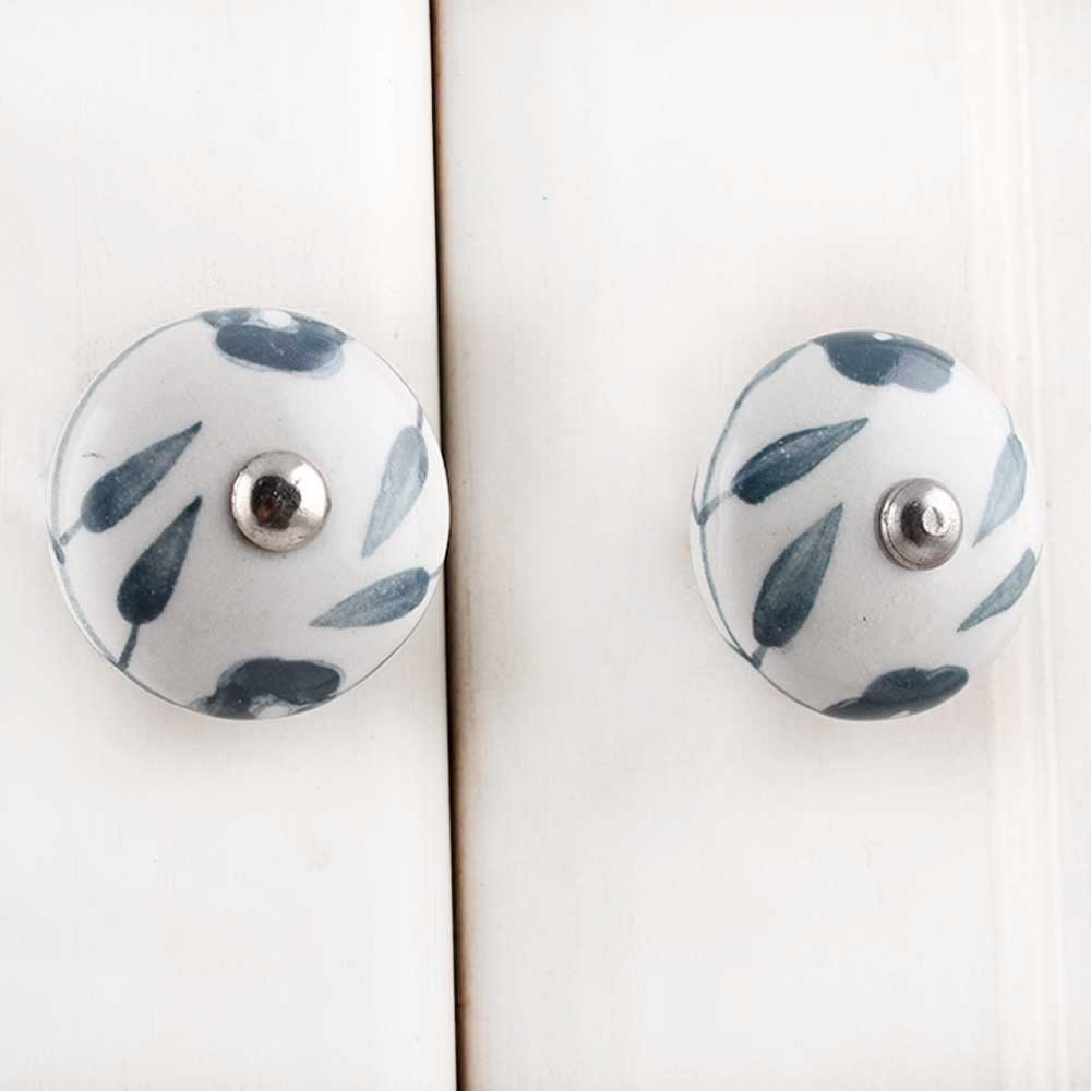 IndianShelf Handmade 17 Piece Ceramic Grey Floral Flat Rust Free Drawer Kitchen Knobs/Cabinet Pulls