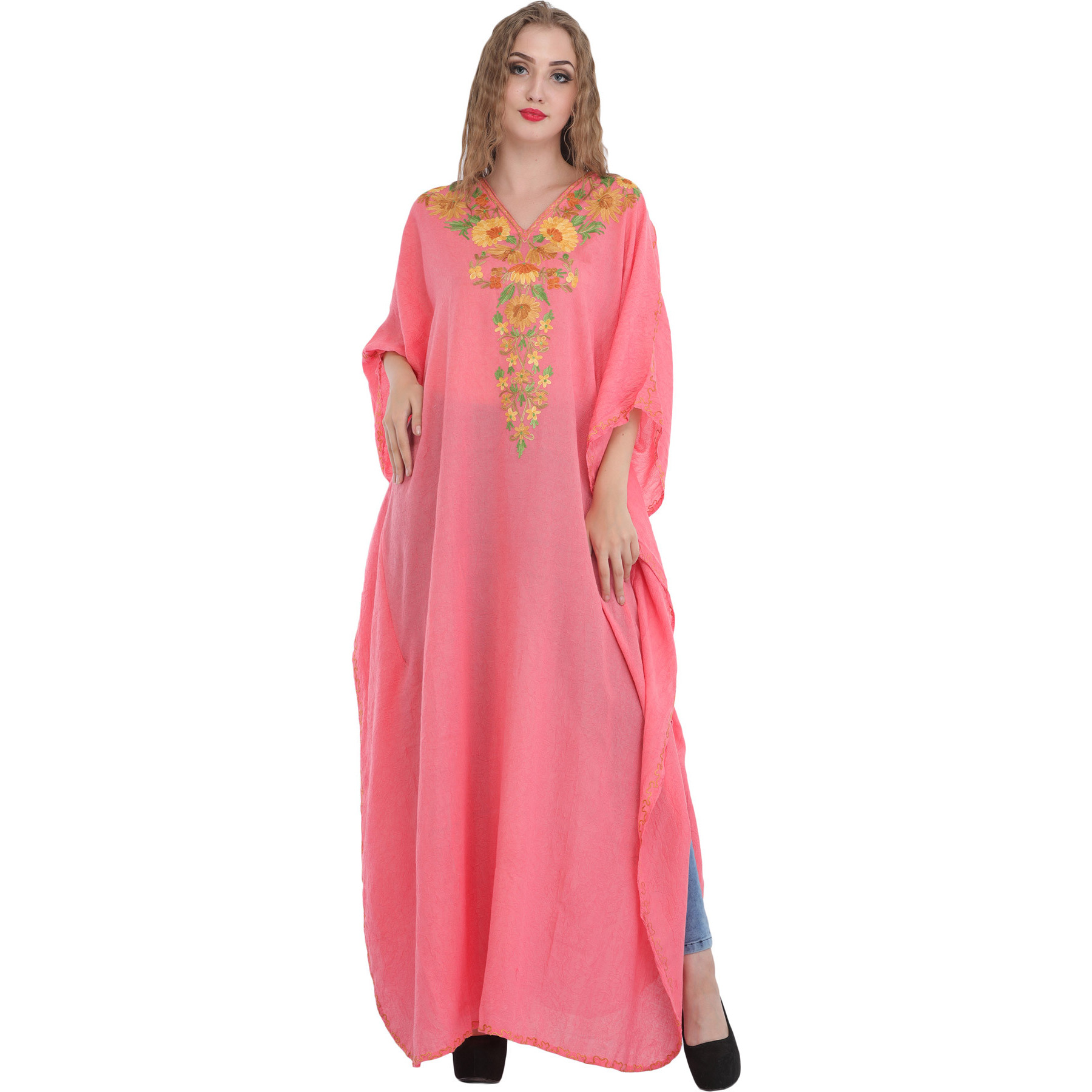 Ari Kaftan from Kashmir with Floral-Embroidery on Neck