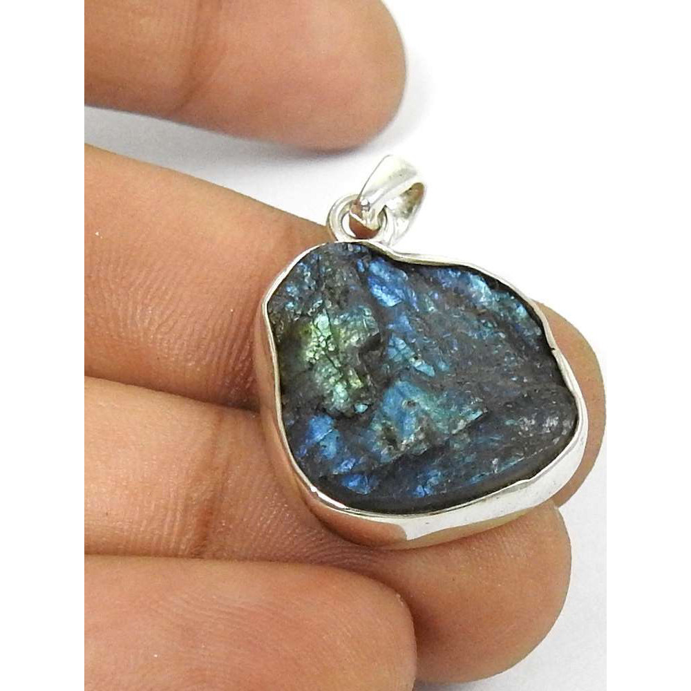 Fashion Design !! Labradorite Rough Stone Sterling Silver Pendant Jewelry