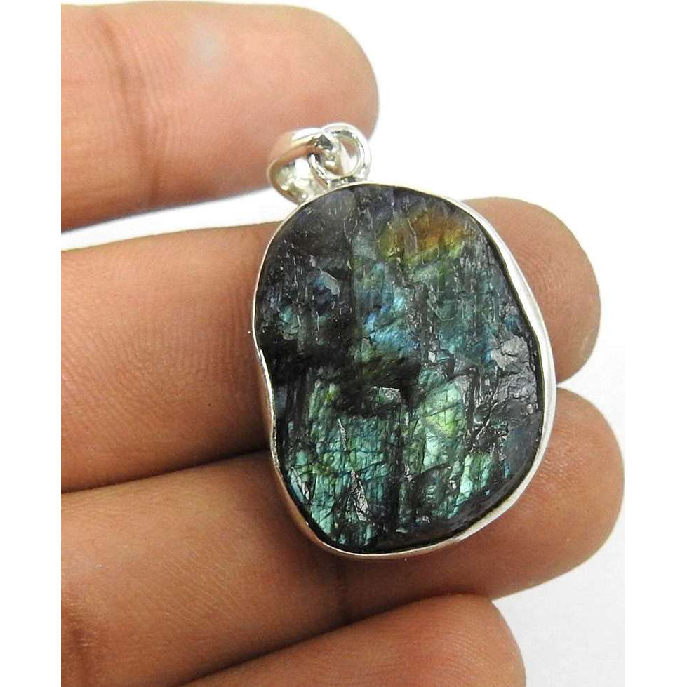 Gorgeous Design !! Labradorite Rough Stone Sterling Silver Pendant Jewelry