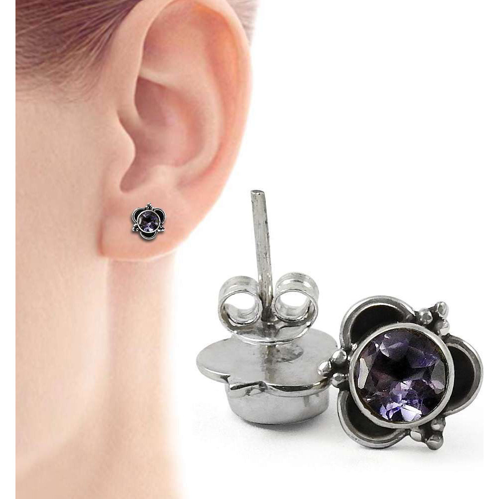 Manamohak!! 925 Sterling Silver Amethyst Studs