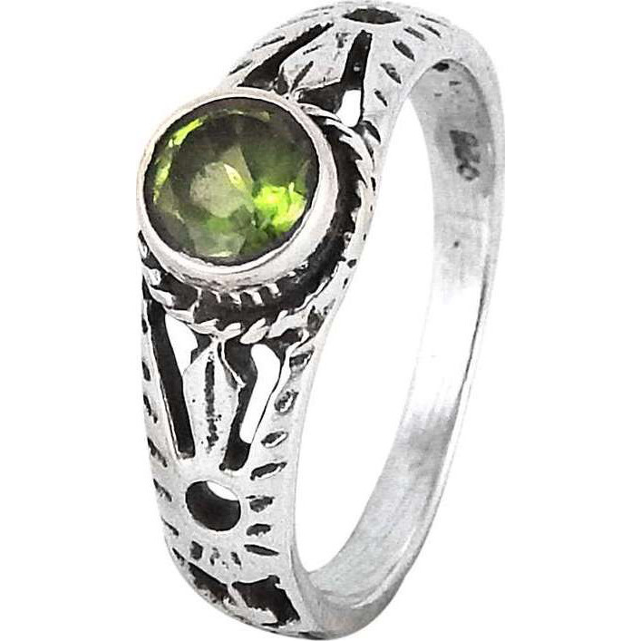 Beauty in Queen!! Peridot 925 Sterling Silver Rings