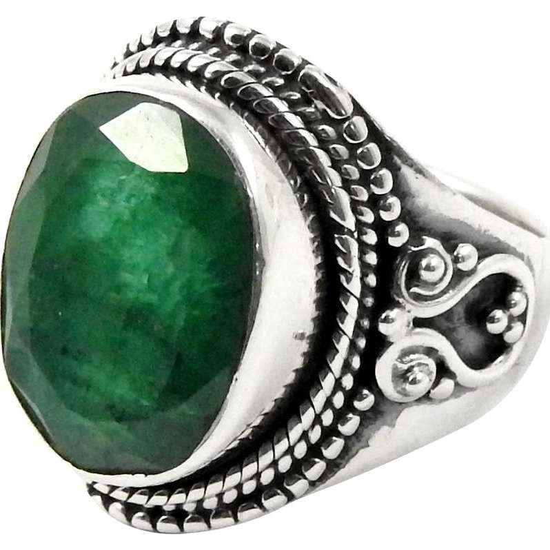 Lovely!! Emerald 925 Sterling Silver Ring