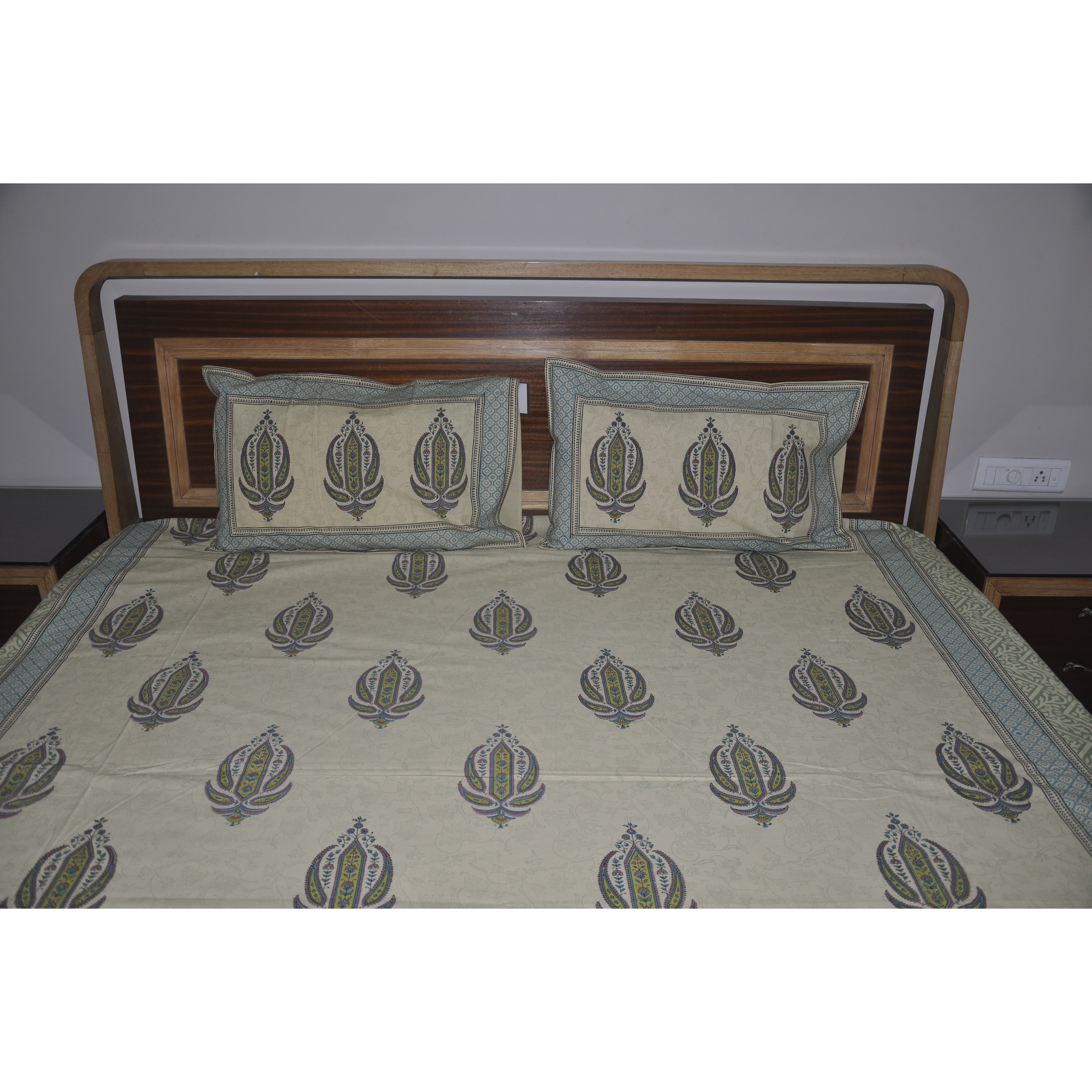 Ethnic Bedspread Beige Cotton Blue Printed Bedsheets Bed Cover Pillowcases Set